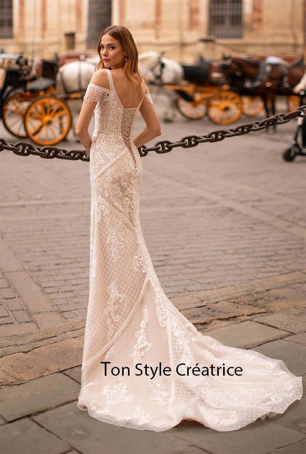 Robe de mariée près du corps dentelle